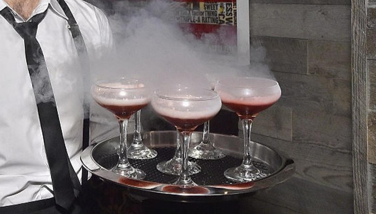 Smoky drinks containing liquid nitrogen (Source: Getty Images)