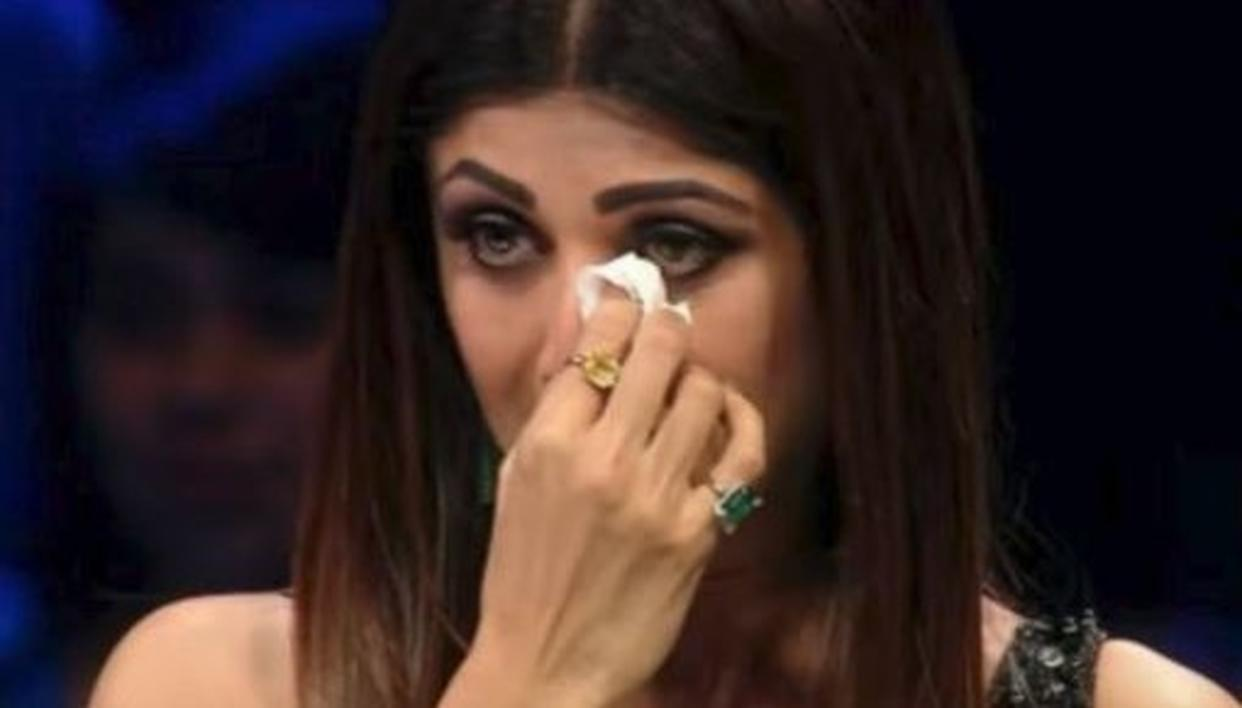 WHEN SHILPA SHETTY BROKE DOWN