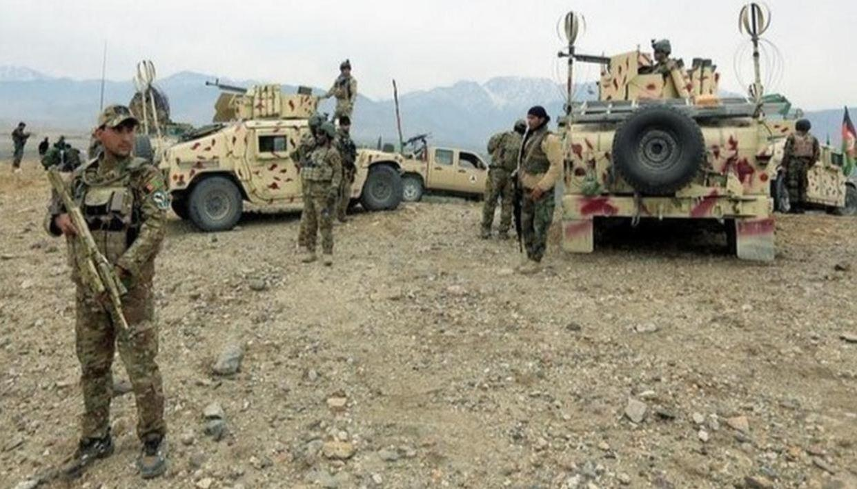 INSURGENTS IN AFGHAN KILL 5 POLICE FORCES