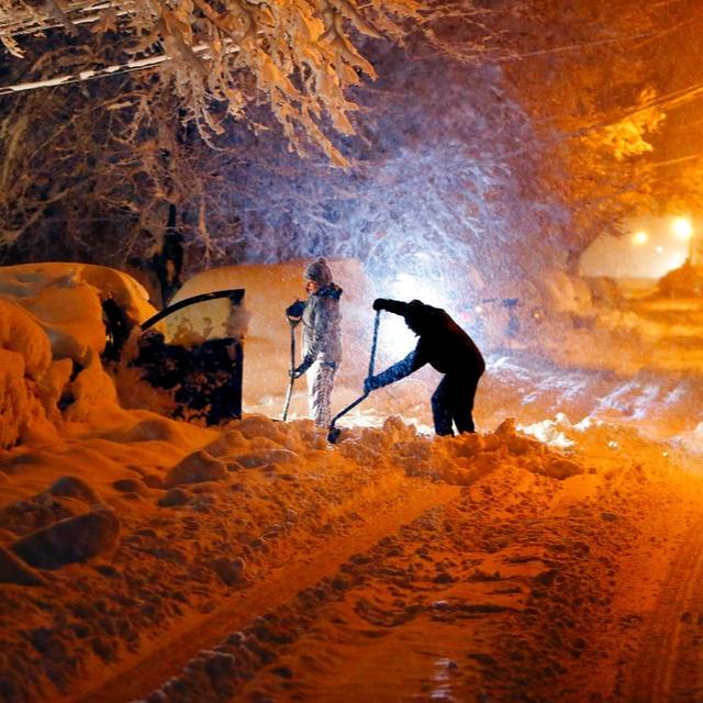 SNOW STORM ENGULFS NORTHEAST AMERICA